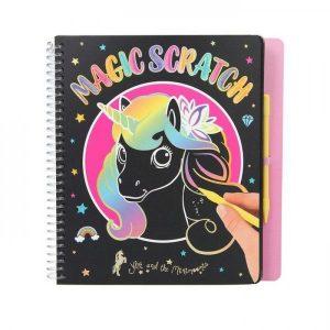 Ylvi & The Minimoomis Magic Scratch Boek